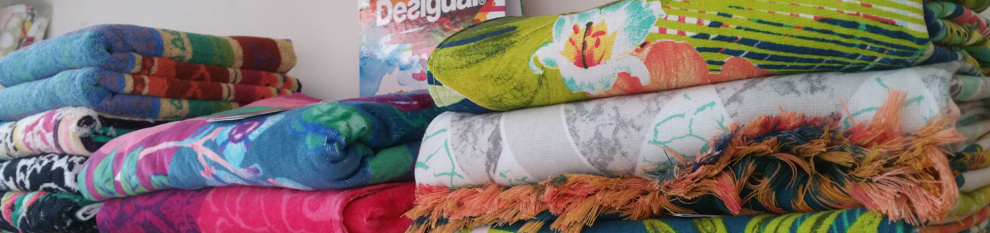 desigual-negozio-atelier-notte-spugna-asciugamani-telo-mare-accappatoio-